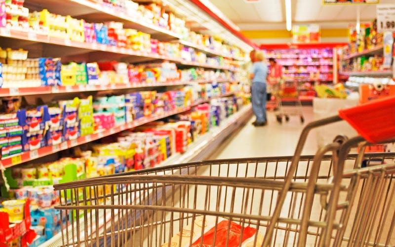Charriot dans supermarché